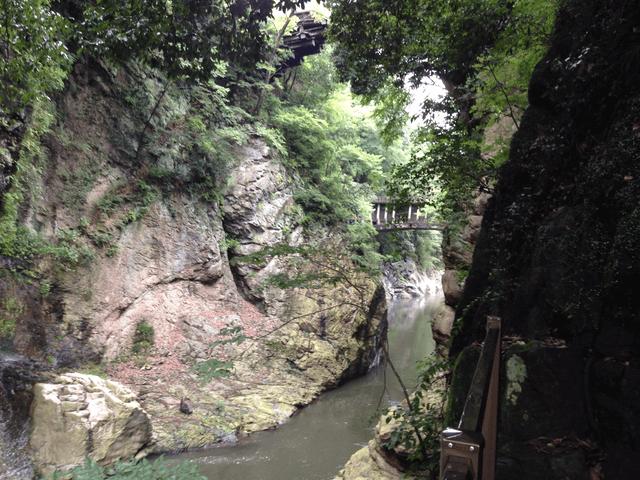 写真:桂川と猿橋ちかくの峡谷