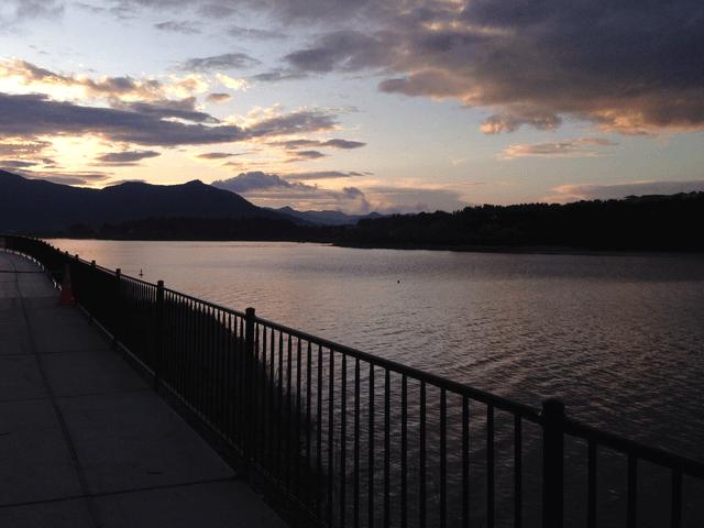写真:河口湖畔の朝焼け