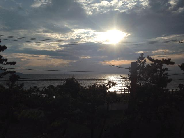夕方の駿河湾(「KKR沼津はまゆう」からの眺め)