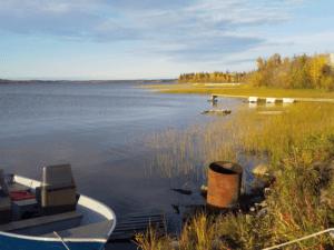 イエローナイフ・グレートスレーブ湖畔の風景