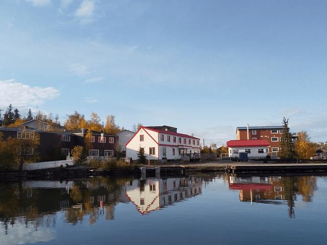写真:イエローナイフの郊外の街並み